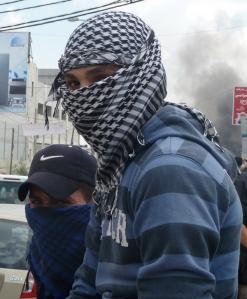 Drenge med palæstinensertørklæde