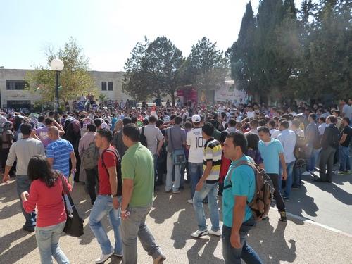 Demonstration på Birzeit University i sympati med sultestrejkende palæstinensiske fanger
