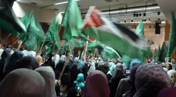 Hamas celebrates prisoners' release at BZU