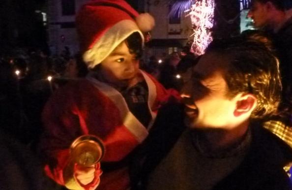 Små og store drenge var i dagens anledning i julemandstøj