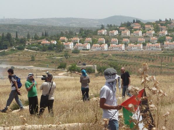 Palæstinensisk journalist dækker uroligheder i Nabi Saleh
